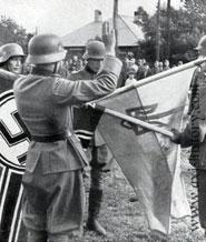 Soldaty_divizii_SS_Galichina_dajut_prisjagu_na_vernost_germanskomu_fjureru_1944_185.jpg