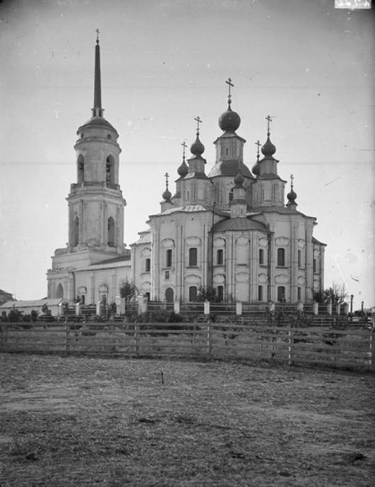 Значительную часть населения села составляли старообрядцы, препятствовавшие строительству храма на общинной земле