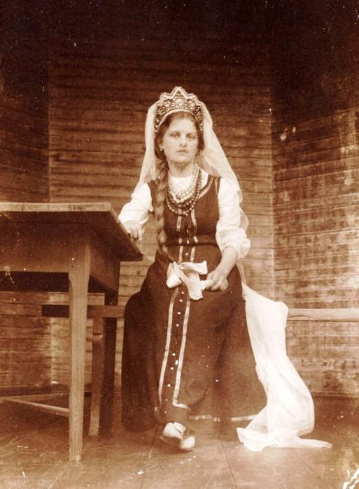фото девушек на руси в 18 веке прически